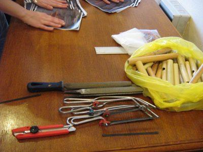 Εργαλεία και υλικά για την κατασκευή νουνούρας